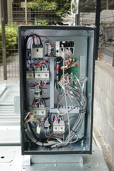 ファムパークシリーズ制御装置